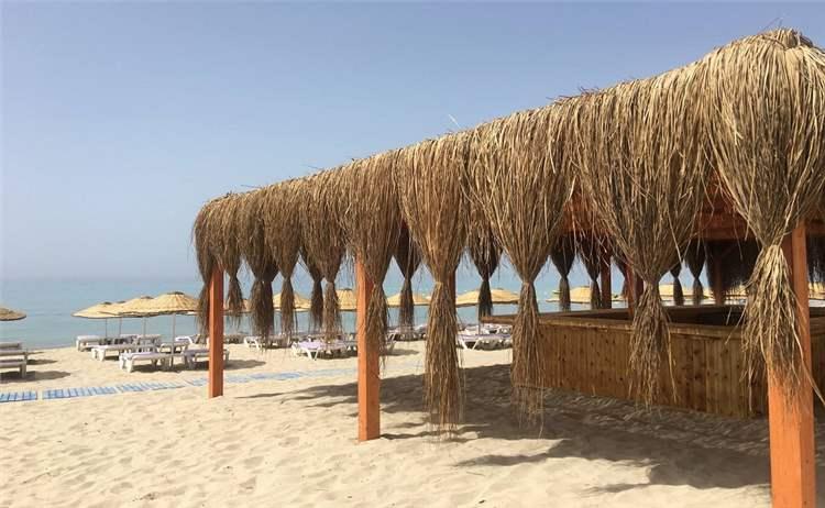 Çeşme Dharma Beach Club'ta Plaj Giriş, Şezlong ve Şemsiye ile gün boyu beach keyfi ve menüler