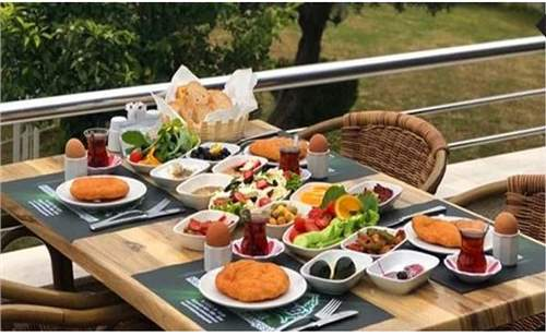 Urla Panorama'da Enfes Serpme Kahvaltı | İzmirBuraya.com'da!