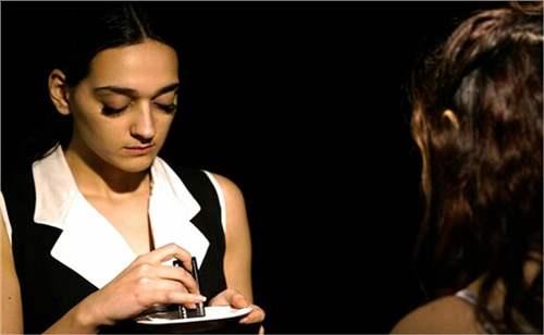 Hanımlar ve Hizmetçiler Tiyatro Oyunu | İzmirBuraya.com