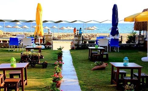 Gümüldür Mavi Deniz Otel Serpme Kahvaltı Keyfi