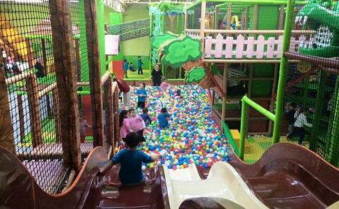 İzmir'in En Büyük Oyun Parkı Monkey Jungle Giriş Bileti ve Hamburger Menü