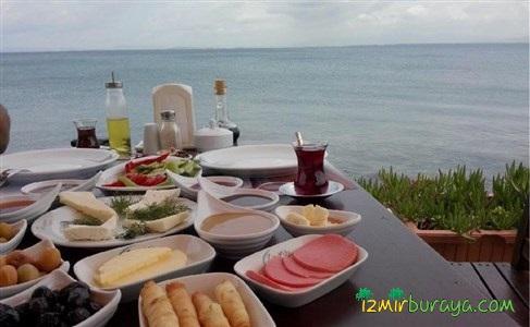 Güzelbahçe Zigana Restaurant Deniz Kenarı Sınırsız Çay Eşliğinde Serpme Kahvaltı Keyfi